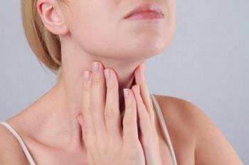 Ung thư thanh quản có những triệu chứng nào