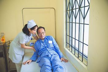 Mức độ hài lòng của người bệnh và người nhà với cán bộ Y tế bệnh viện K đạt 85%
