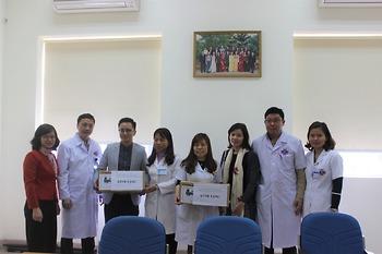 Công ty TNHH MTV Vàng bạc đá quý Ngân hàng TMCP Công thương Việt Nam trao tặng máy bơm tiêm tự động cho Bệnh viện K