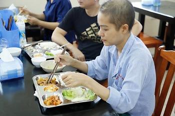 Chế độ dinh dưỡng cho người bệnh ung thư đường tiêu hóa đã cắt dạ dày
